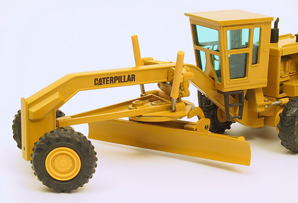 Picture Caterpillar 16G
